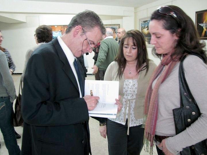 """Presentación de la colección """"Mithology"""" en Mallorca Firmando un autógrafo 20 de Abril 2010"""