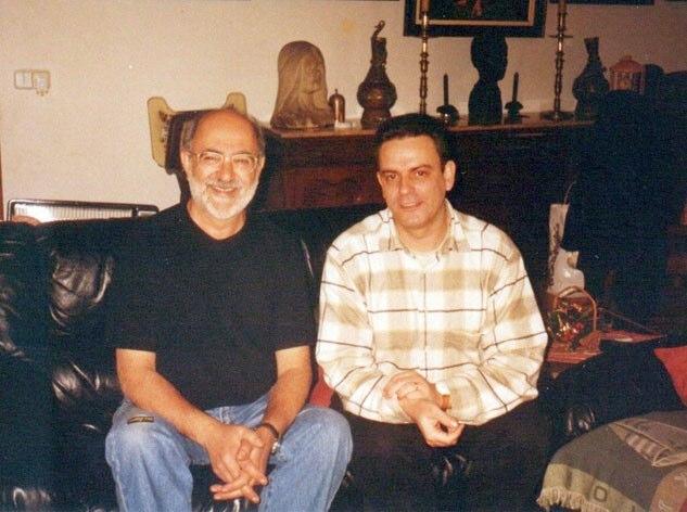 Con su amigo y músico Gabriel Rosales