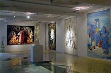 Museo de los Ángeles En el fondo una de sus megalografías al óleo