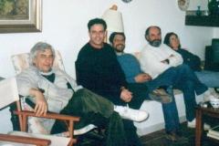 En compañía del pintor Manuel Castellín  y unos amigos 2001