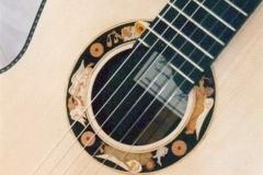 Roseta de guitarra Medina Mayuria construida por el Luthier Antonio Morales, sobre diseño de Melgarejo