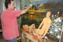 Pintando una de sus obras mitológicas