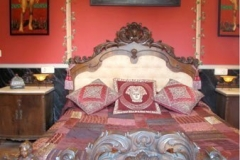 Decoración de su dormitorio, réplica del romano clásico (siglo I)