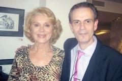 Con su amiga la actriz  Belinda Corel